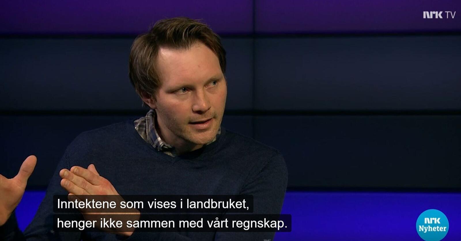 """""""Hvis vi bønder hadde tjent så godt som tala viser, trur du virkelig to bruk hadde lagt ned hver dag?"""" spurte Ola Lie Berthling retorisk i Debatten på NRK. Foto: Skjermdump fra NRK Debatten"""