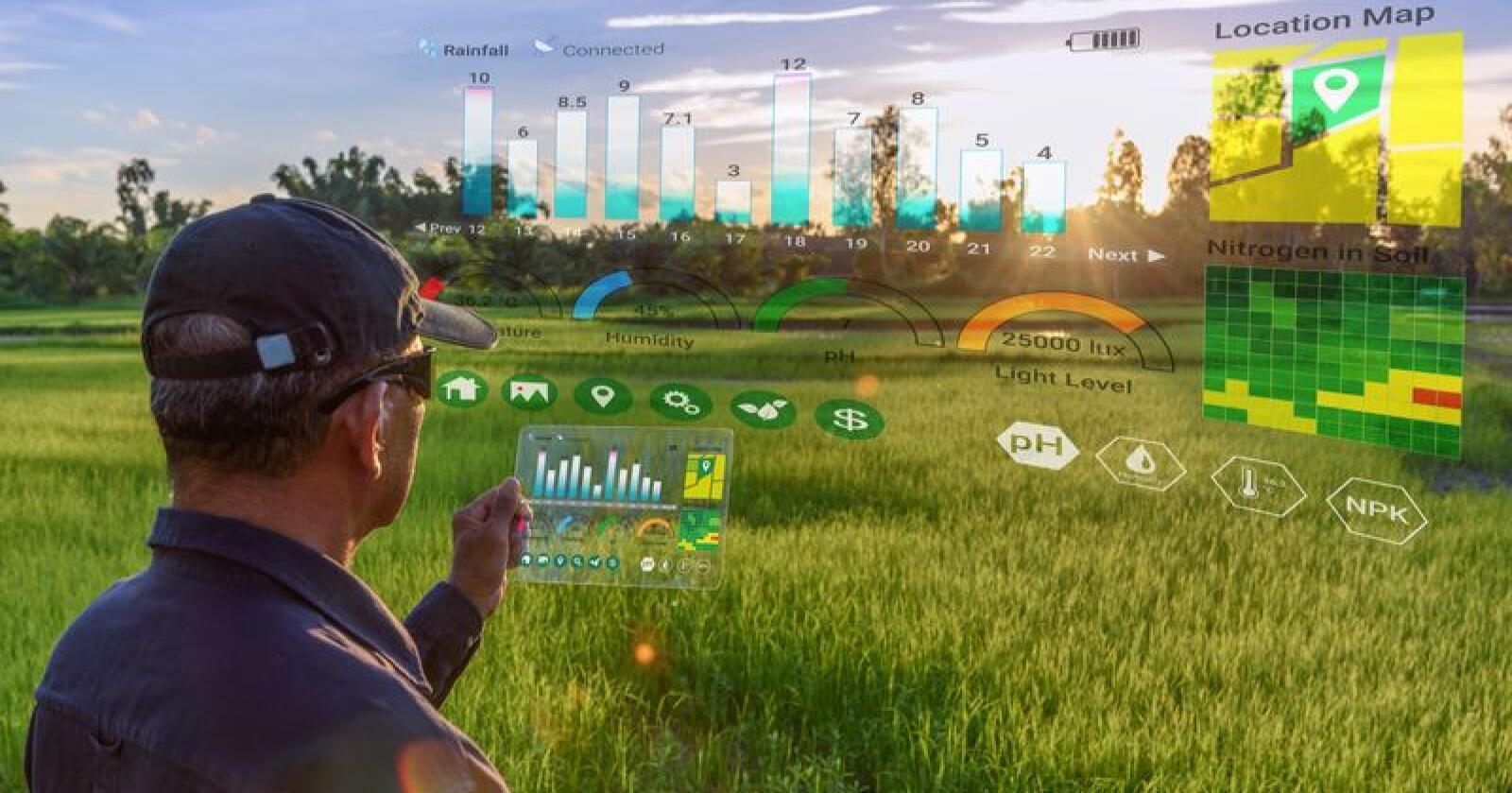 5G vil åpne for mange flere muligheter, også i landbruket. Raskere nett med kortere responstid muliggjør blant annet en sikker og stabil forbindelse til selvkjørende maskiner. (Foto: William Potter/Shutterstock)