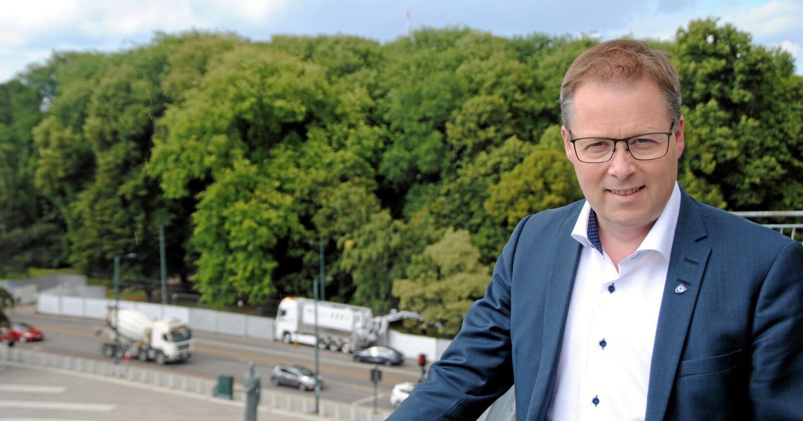 Advarer: Bjørn Arild Gram, styreleder i KS, sier kommuneøkonomien må styrkes. Foto: Lars Bilit Hagen.