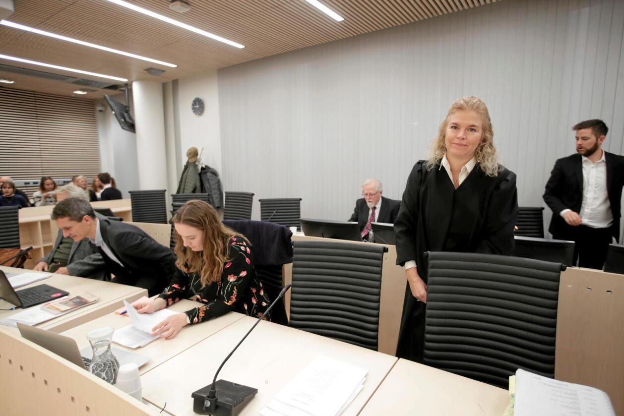 Kritisk: Miljøvernernes advokat, Cathrine Hambro, gikk hardt ut mot staten i sitt sluttinnlegg i klimarettsaken. Foto: Lise Aaserud/ Scanpix