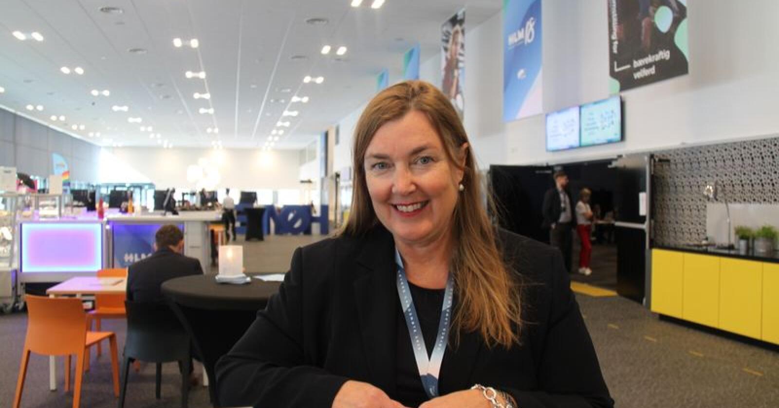 Stortingsrepresentanten Elin Agdestein (H) legger fram forslag om å gi rovviltnemnder større makt på Høyres landsmøte.