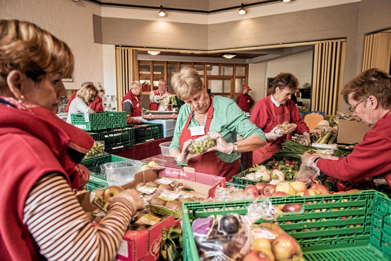 Sortering av mat før utdeling: Die Tafel har vært oppslag i tyske medier i flere uker. Foto: Die Tafel, Dagmar Schwelle.