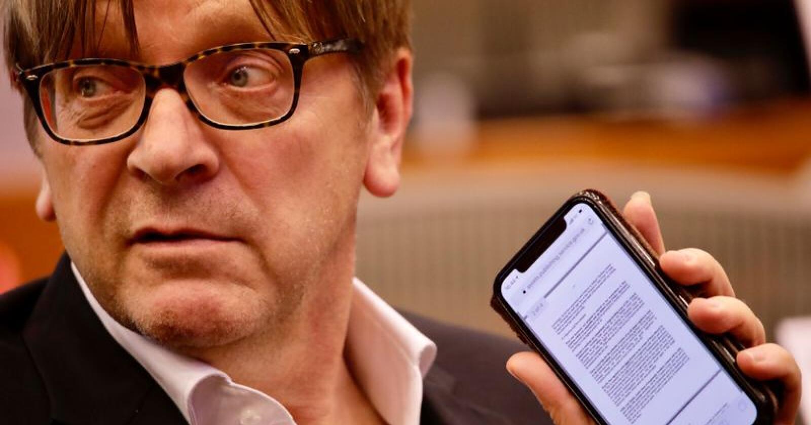 Guy Verhofstadt leder styringsgruppen som gir en foreløpig strykkarakter til Boris Johnsons forslag. Foto: Olivier Matthys / AP / NTB scanpix