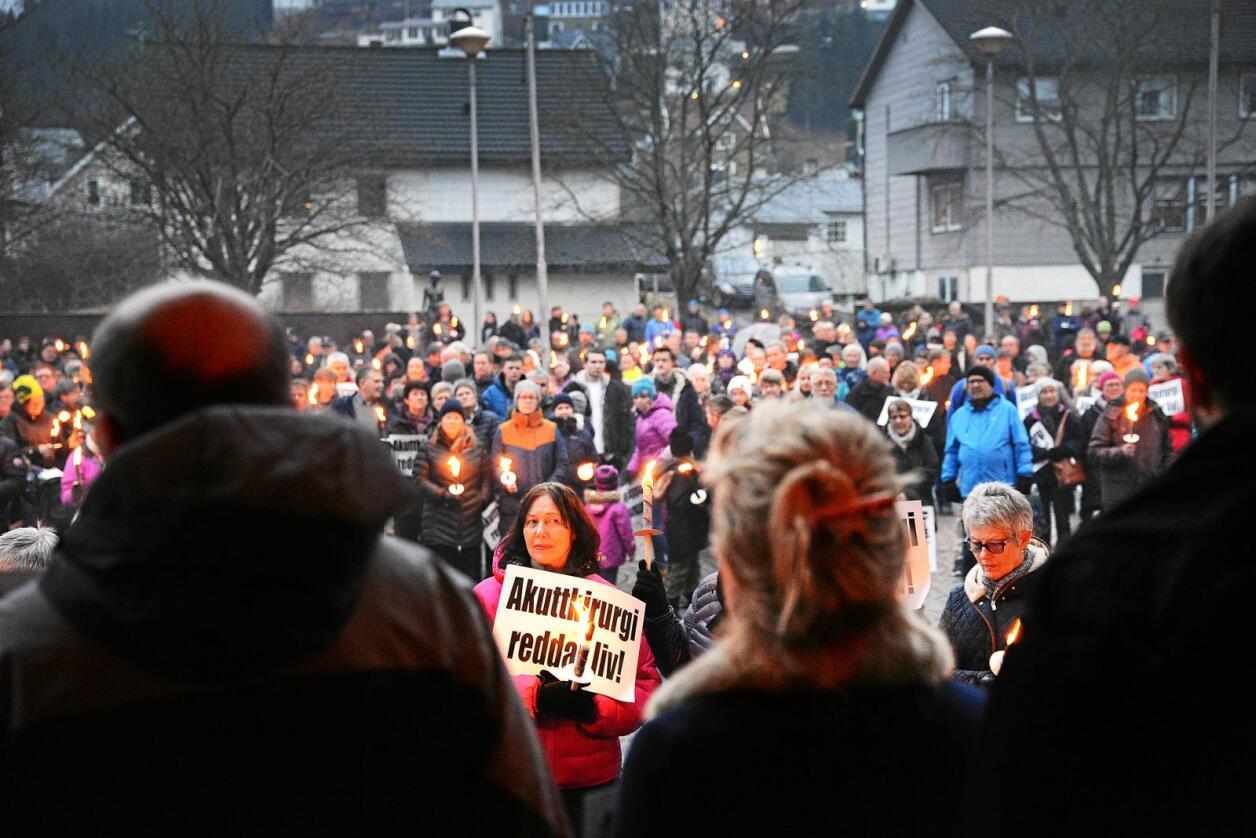 Akutt: Demonstrasjon til støtte for akuttfunksjonene i Odda. Foto: Siri Juell Rasmussen
