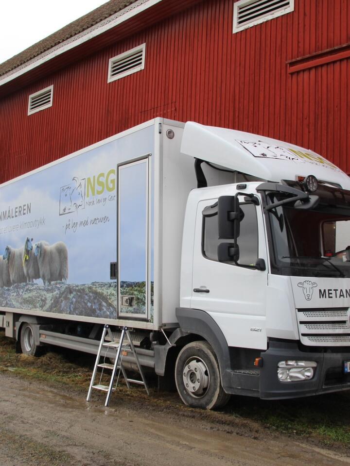 SPESIALLAGET: Både metanbilen og de ti klimakamrene den rommer, er spesialdesignet for norske forhold og norske sauer.