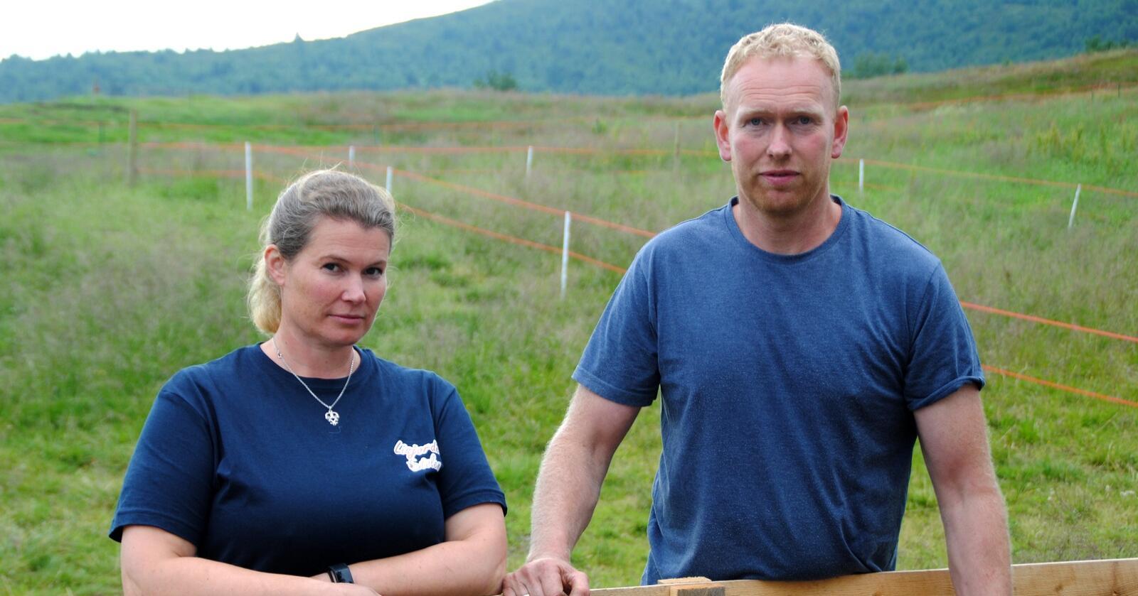 Jan Erik og Lena Lisjordet har setring som en viktig del av driften. Foto: Lars Bilit Hagen