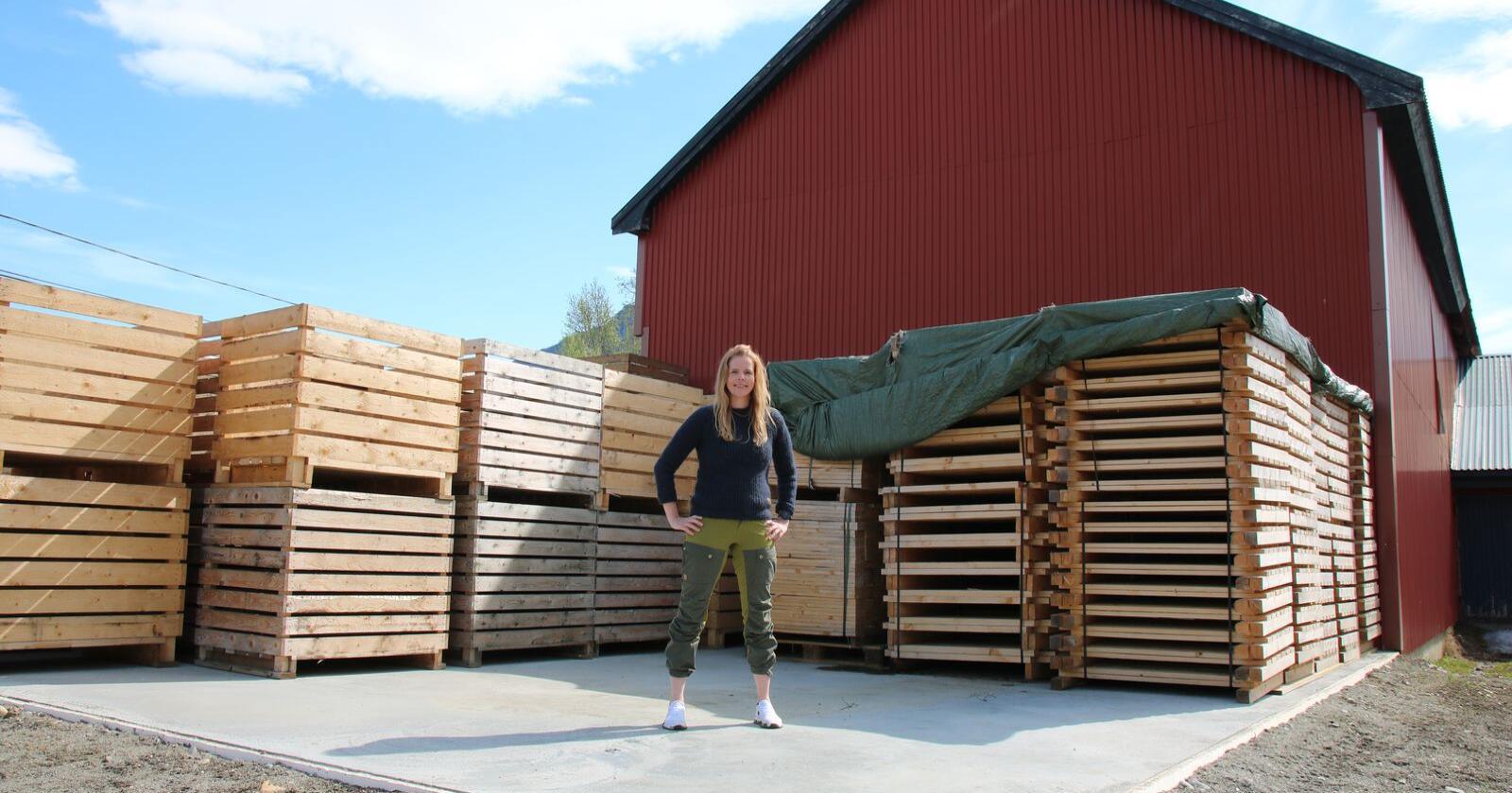 Gården har i dag for lite lagerkapasitet. Planen er å bygge et nytt potetlager på den grunnmuren Lise står på.