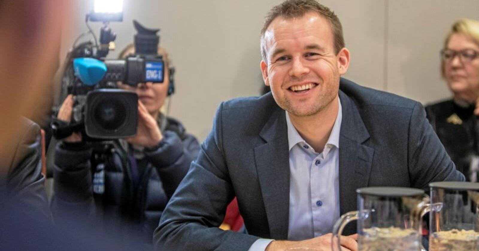 KrF-nestleder Kjell Ingolf Ropstad vet hvor mange spener kua har. Foto: Ole Berg-Rusten / NTB Scanpix