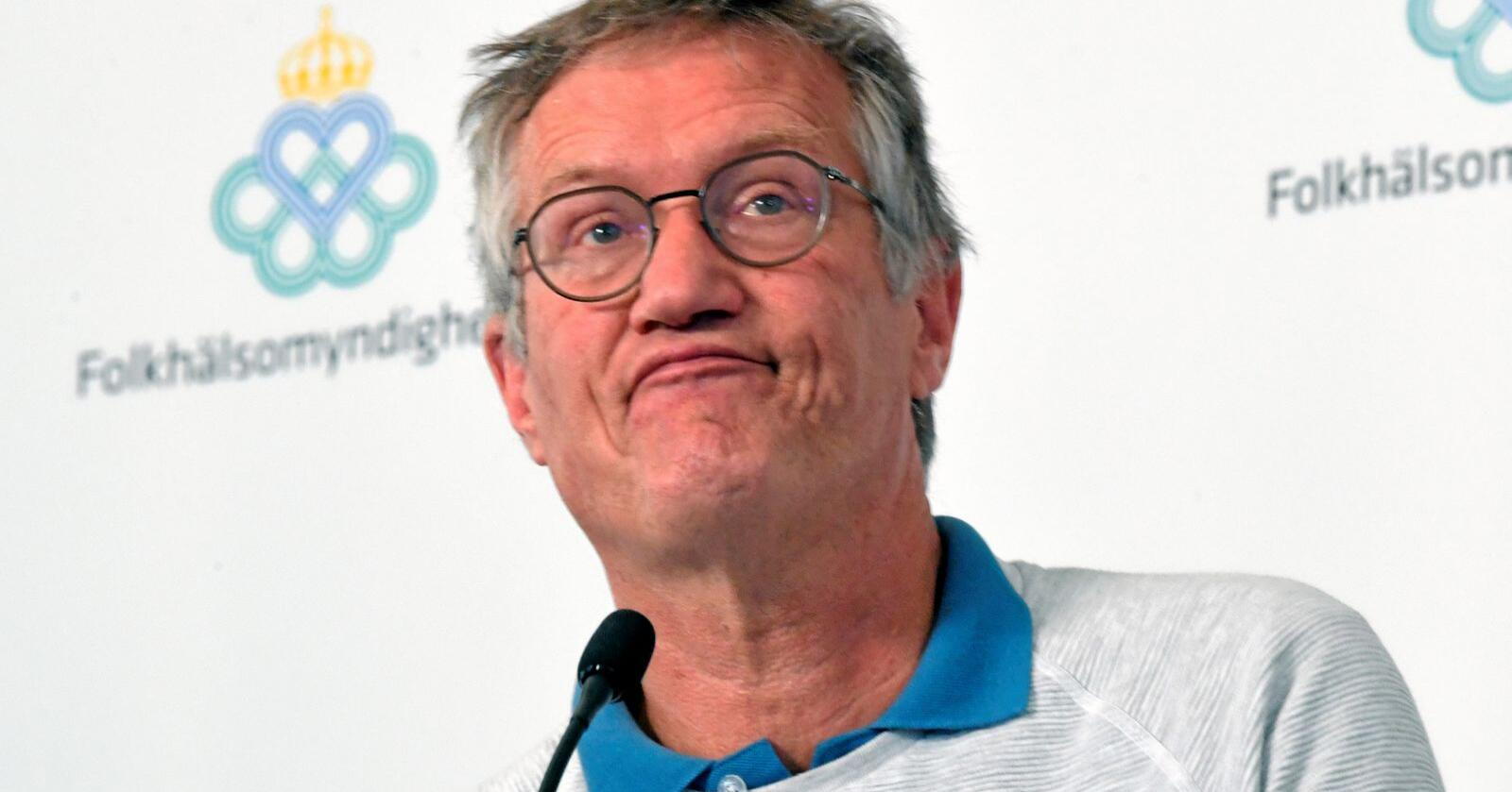 Alternativ: Statsepidemiolog Anders Tegnell svarer på rekordhøye svenske dødstall med å kritisere norsk smittevern. Foto: Fredrik Sandberg/TT/AP