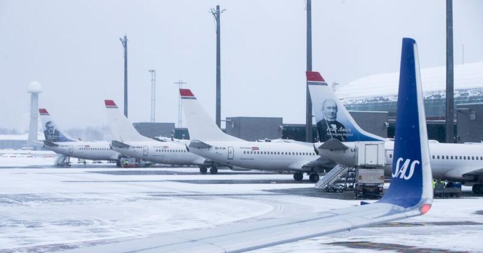 Forskjellen i drivstoffprisen mellom Oslo lufthavn og hovedflyplassene i Sverige og Danmark er på 10 prosent. Foto: Terje Pedersen / NTB scanpix