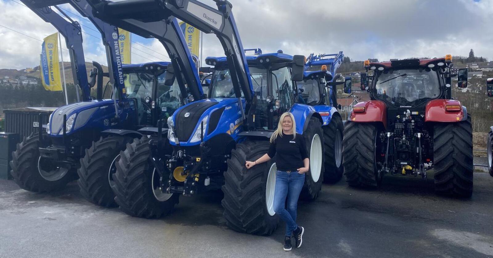 Anniken Øgreid driver Ålgård Landbrukssenter sammen med mannen John Inge Øgreid. De er i ferd med å bygge nye lokaler på Ree, utenfor Bryne og er nå utnevnt som direkteforhandler for New Holland og Case IH.