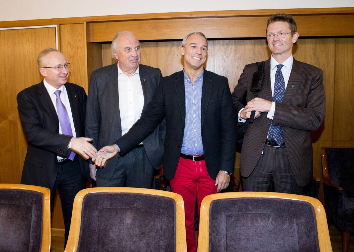 De finanspolitiske talspersonene Gjermund Hagesæter (Frp), Svein Flåtten (H), Hans Olav Syversen (KrF) og Terje Breivik (V) er blitt enige om å utrede virkningene av å trekke oljefondet ut fra både kull- og petroleumsselskaper. Foto: Gorm Kallestad / NTB scanpix