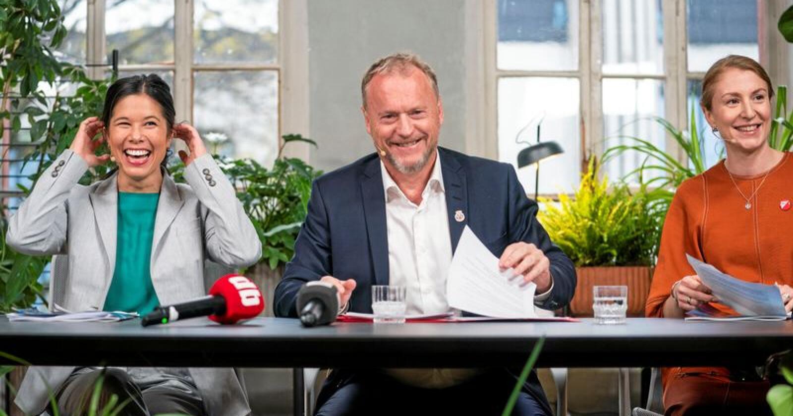 Vil kutte kjøtt i Oslo: Lan Marie Berg fra Miljøpartiet de Grønne, Raymond Johansen fra Arbeiderpartiet og Sunniva Holmås Eidsvoll fra Sosialistisk Venstreparti. Foto: Håkon Mosvold Larsen / NTB scanpix