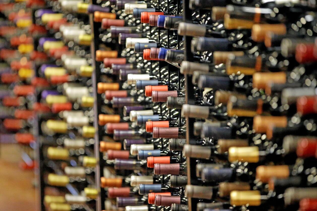 Vinflasker i et amerikansk utsalg i Salt Lake City. USAs vinimport fra Frankrike synker kraftig. Foto: Rick Bowmer / AP / NTB scanpix