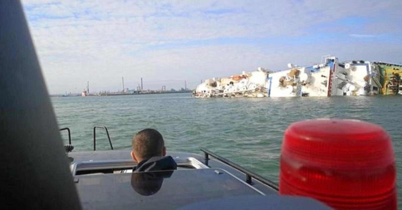 Bildet viser skipet Queen Hind, som søndag kantret i Svartehavet. Foto: ISU Constanta