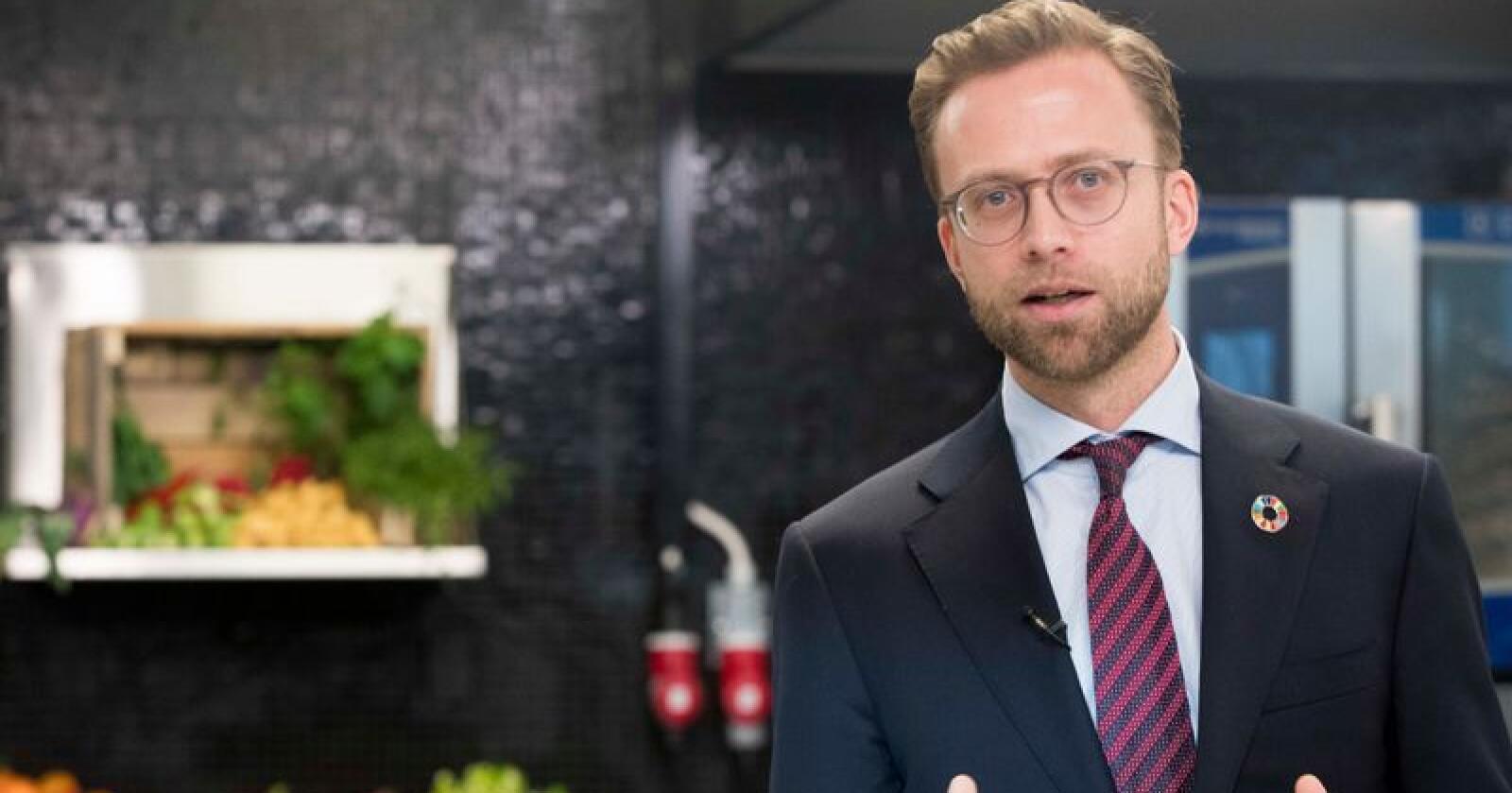 Digitaliseringsminister Nikolai Astrup varsler en ny stortingsmelding om mobil, bredbånd og telemarkedet. Foto: Terje Pedersen / NTB scanpix