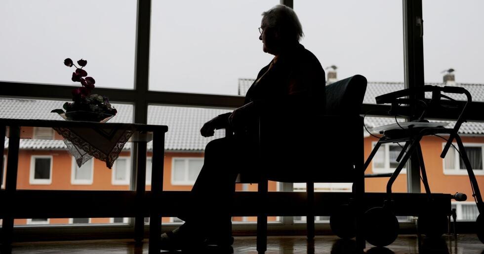 Eldre kvinner og innvandrere er overrepresentert blant dem med lav inntekt, ifølge SSB. Foto: Frank May / NTB scanpix