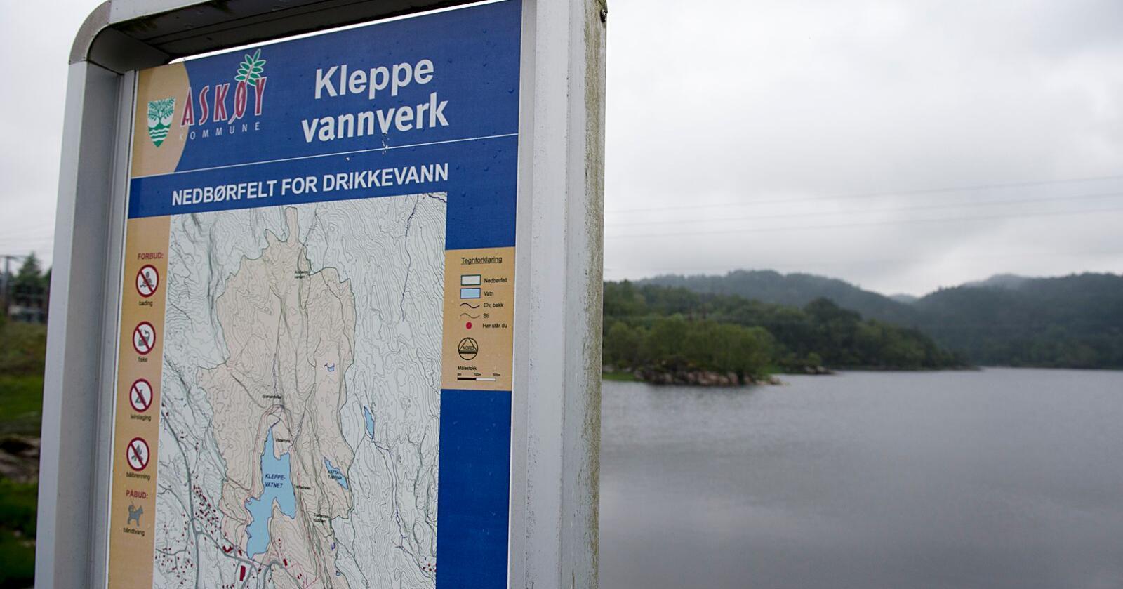 To personer døde og omkring 2.000 ble syke etter å ha drukket forurenset drikkevann i Askøy. Foto: Marit Hommedal / NTB scanpix