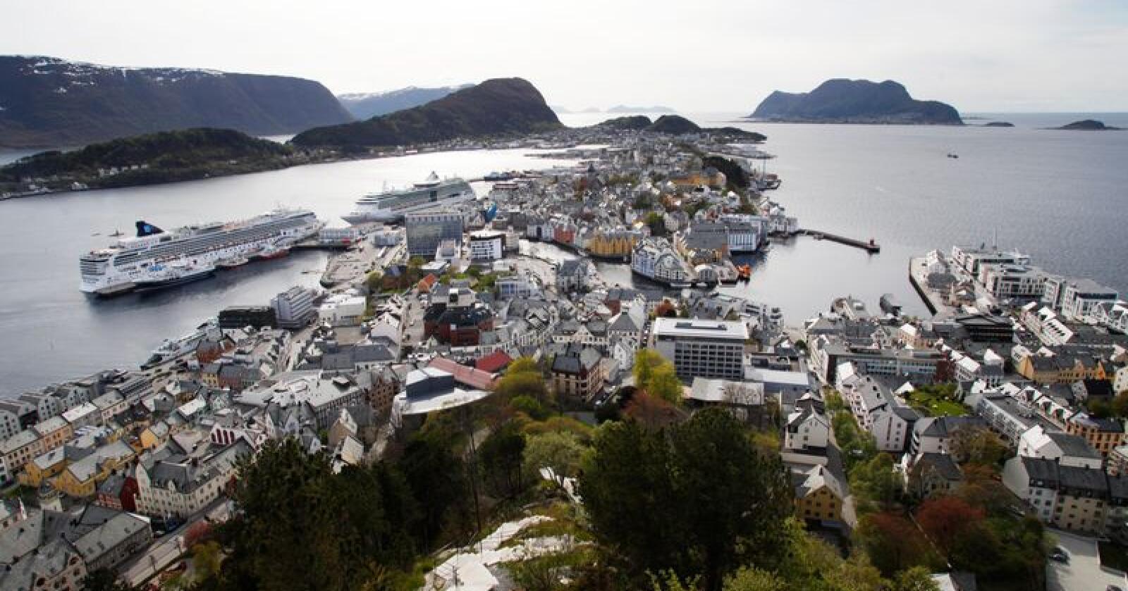 Ålesund er blant kommunane som blir overvakte for såkalla økonomisk ubalanse. Illustrasjonsfoto: Halvard Alvik / NTB scanpix / NPK