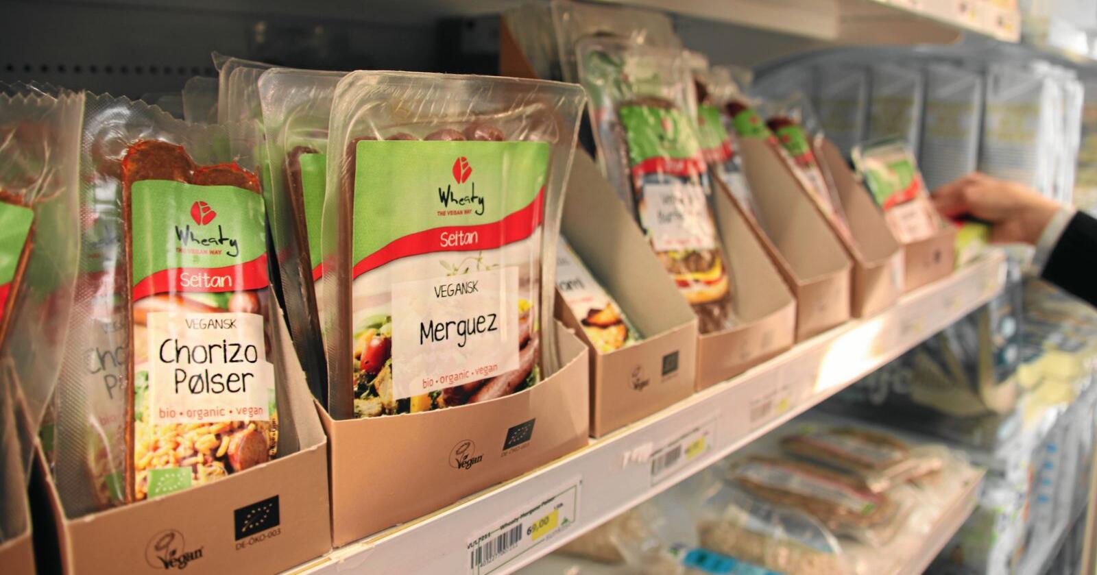 Kosthald: Ei omlegging til meir plantebasert kost og mindre animalsk mat gir meir import og redusert sjølvforsyning, viser rapport. To tredelar av proteina vi får i oss gjennom maten kjem frå animalske varer i dag og der er ein stor del laga her i landet. På vegetabilske varer er storparten importert. Foto: Andrea Sofie Aasvang