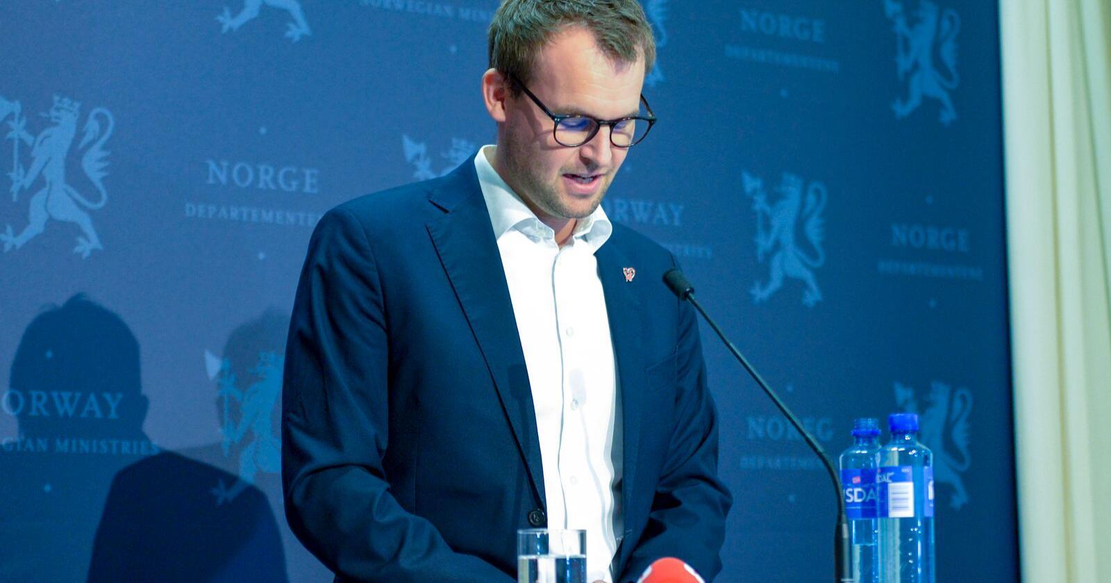 Trekker seg: Avtroppende KrF-leder og barne- og likestillingsminister Kjell Ingolf Ropstad.