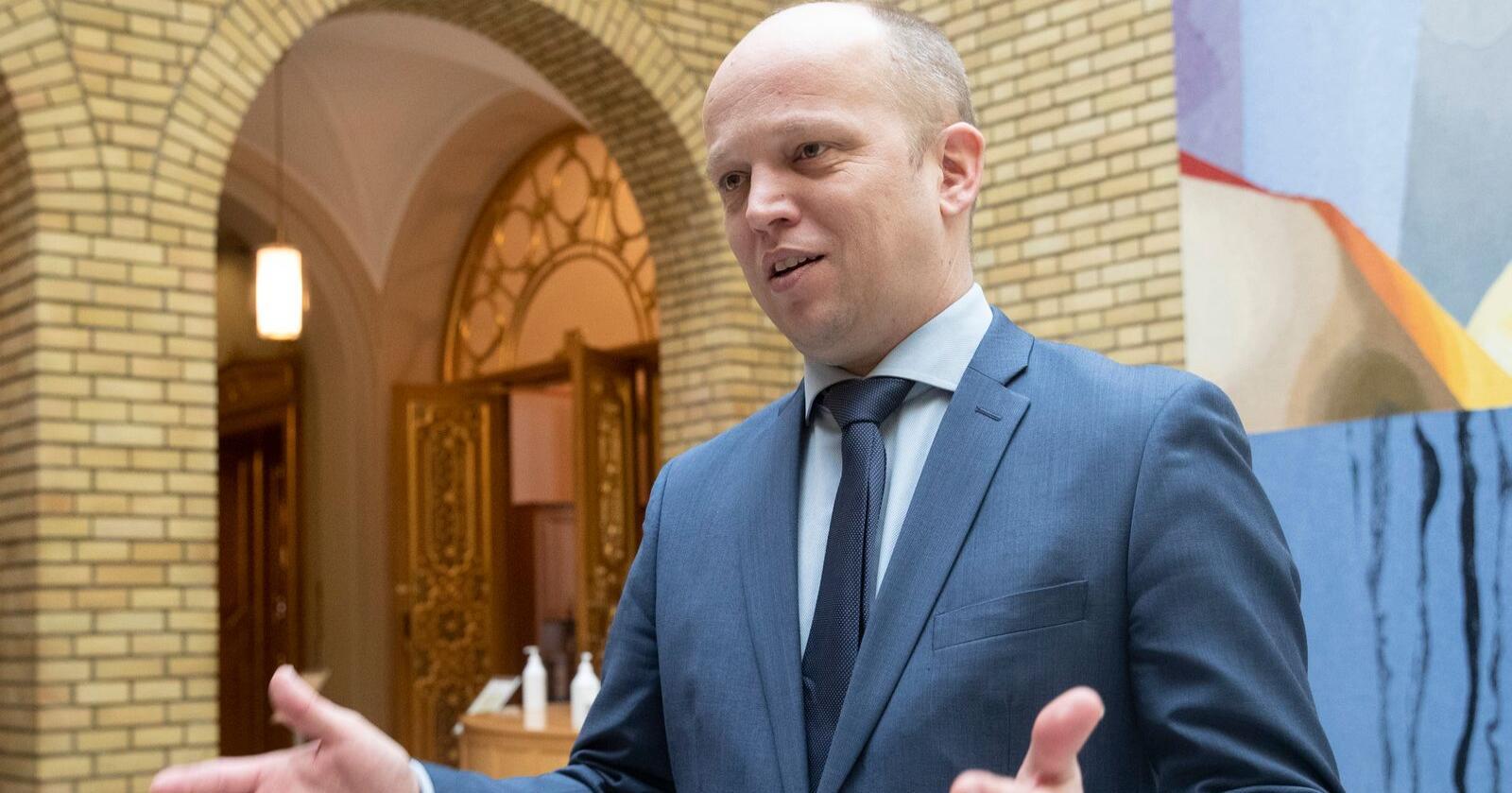 Senterpartiets leder Trygve Slagsvold Vedum frykter nye avgiftsøkninger i revidert nasjonalbudsjett. Foto: Terje Bendiksby / NTB scanpix