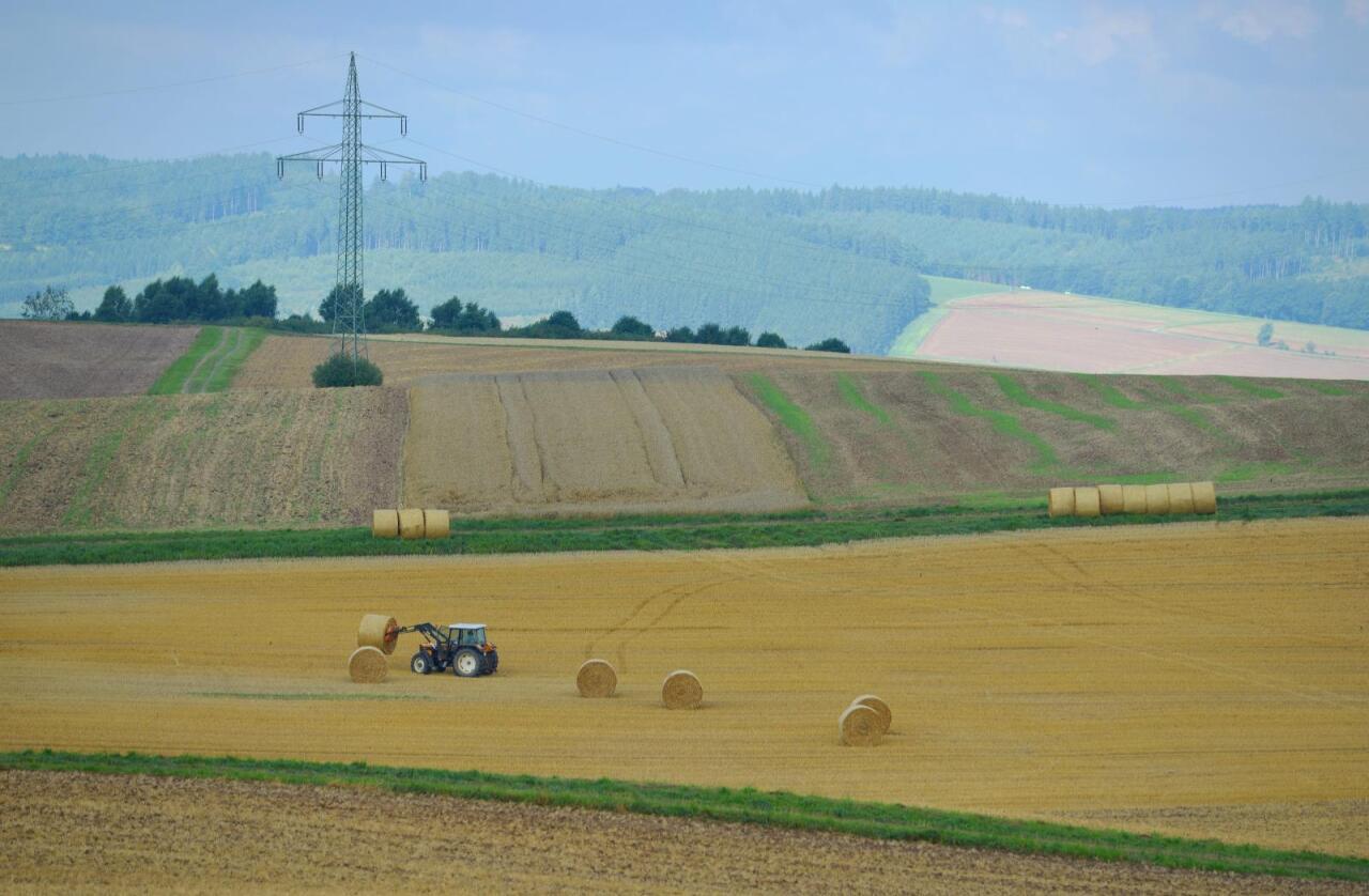 Traktoren på bildet har ingenting med traktoren i saken å gjøre. Foto: Frank May/NTB Scanpix