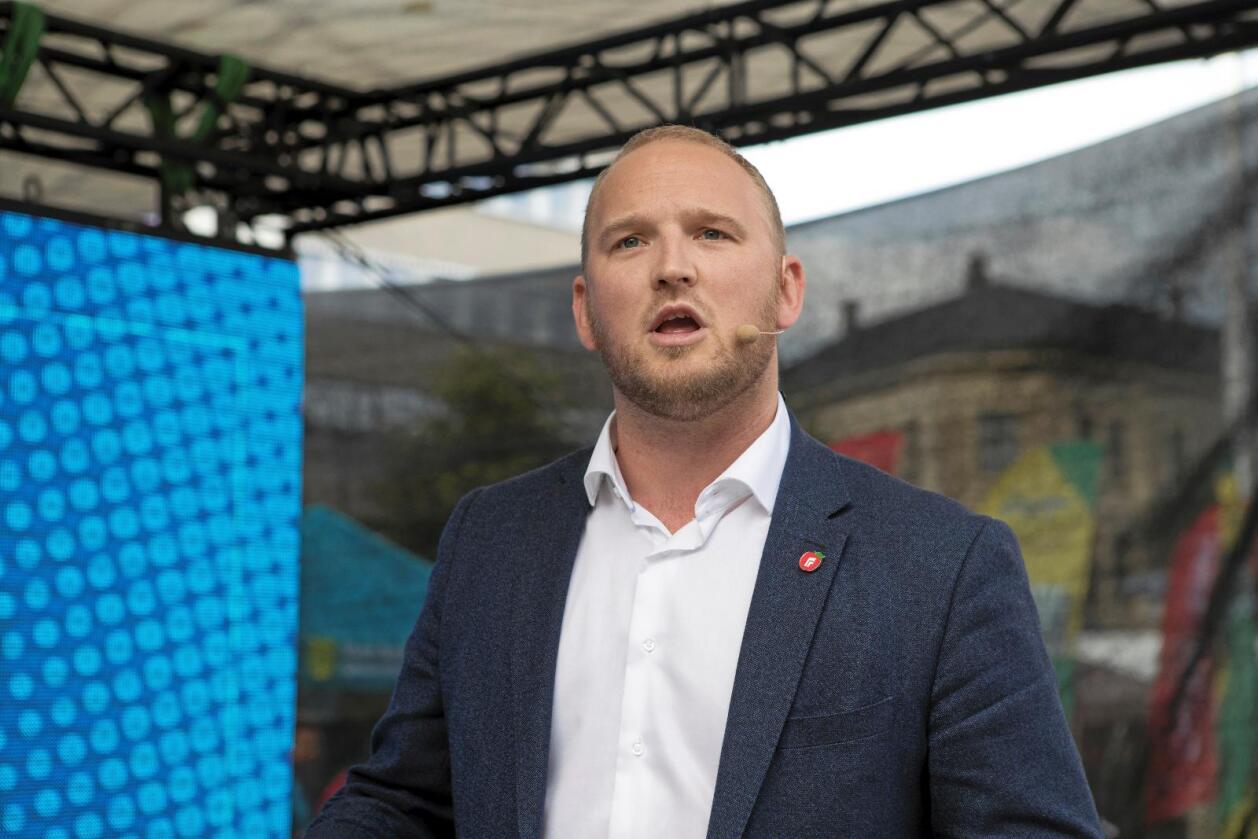 Liberaliserer: landbruksminister Jon Georg Dale vil mjuke opp regelverket for sal av upasteurisert mjølk. Foto: Torstein Bøe / NTB scanpix
