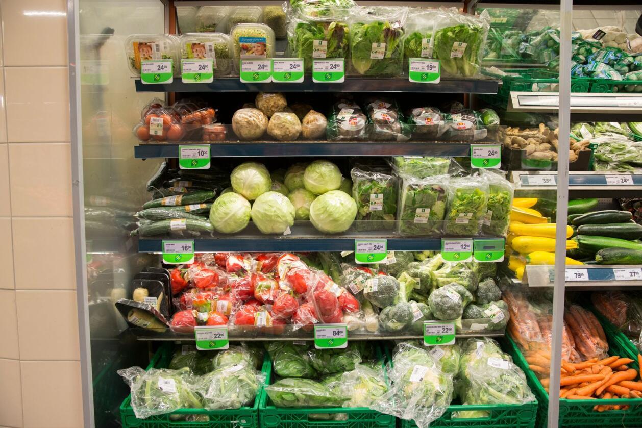 Salget av økologiske varer går ned, ifølge Landbruksdirektoratet. Foto: Berit Roald / NTB