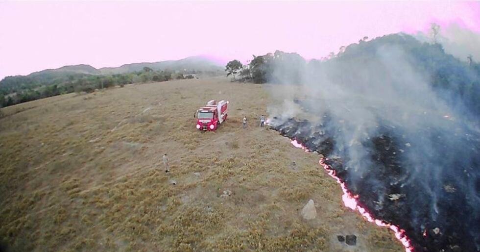 Det brenner i delstaten Mato Grosso i Brasil. Påtalemyndigheten i landet har startet etterforskning av brannene. Foto: AP / NTB scanpix