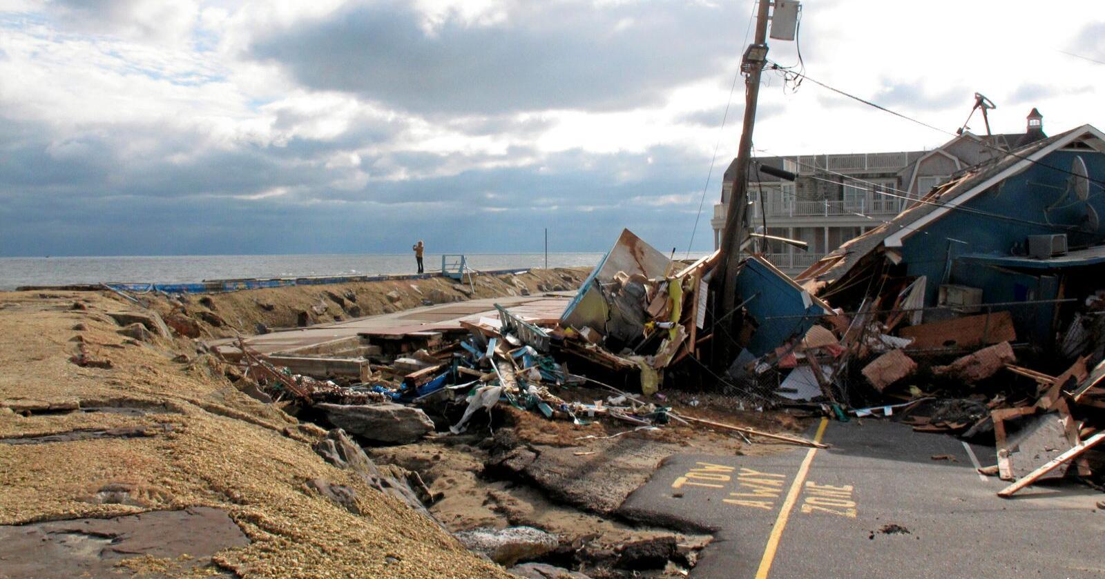 """Ødeleggelsene etter """"Superstorm Sandy"""" i 2012 ble verdsatt til 70 milliarder USD. 233 mennesker mistet livet som følge av orkanens herjinger. Foto: Wayne Parry / AP / NTB"""