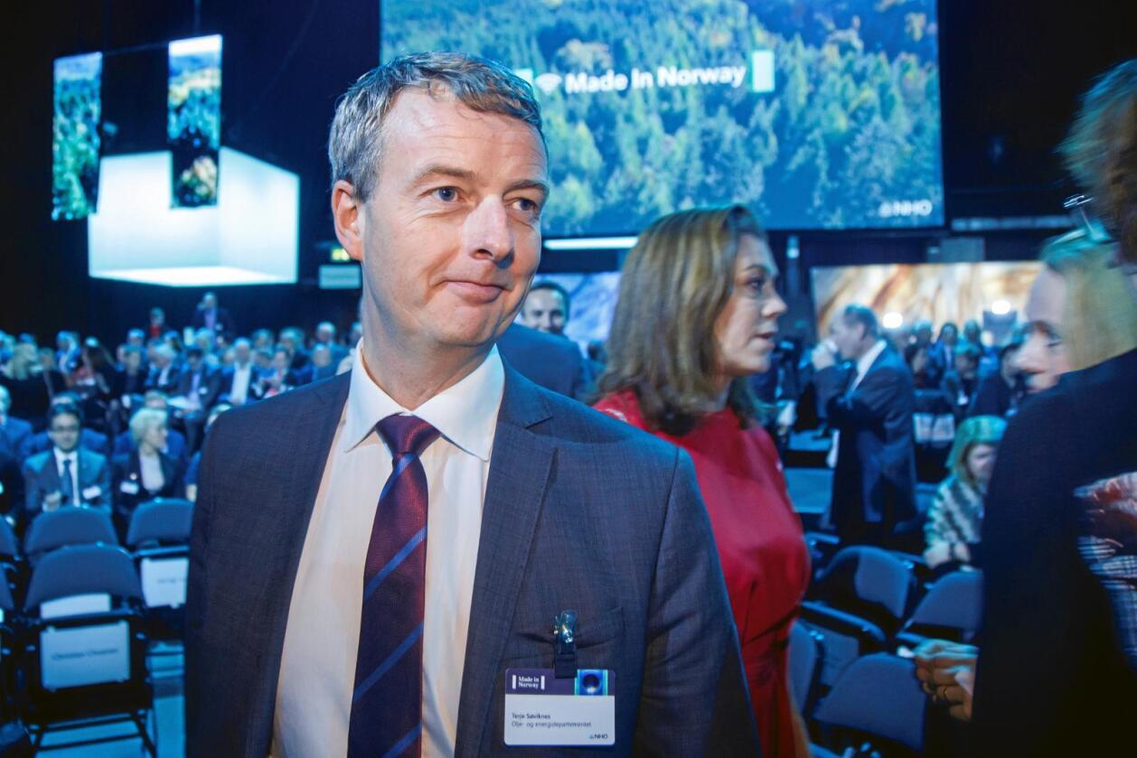 Olje- og energiminister Terje Søviknes (Frp) stadfesta nyleg i Stortinget at EFTAs overvakingsorgan ESA får makt til å fatte bindande vedtak mot Noregs vassdrags- og energidirektorat (NVE) når EUs tredje energimarknadspakke skal inn i EØS-avtalen. Foto: Heiko Junge / NTB scanpix