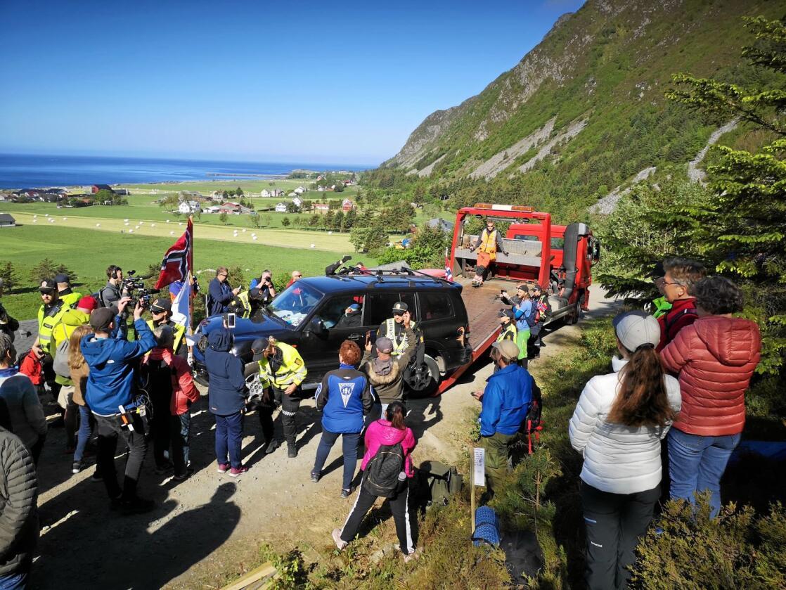 Det har vært demonstrasjoner mot vindkraft på Haramsøya i Møre og Romsdal. Bildet er tatt 11. juni. Foto: Hilde Beate Ellingsæter / Norde / NTB scanpix