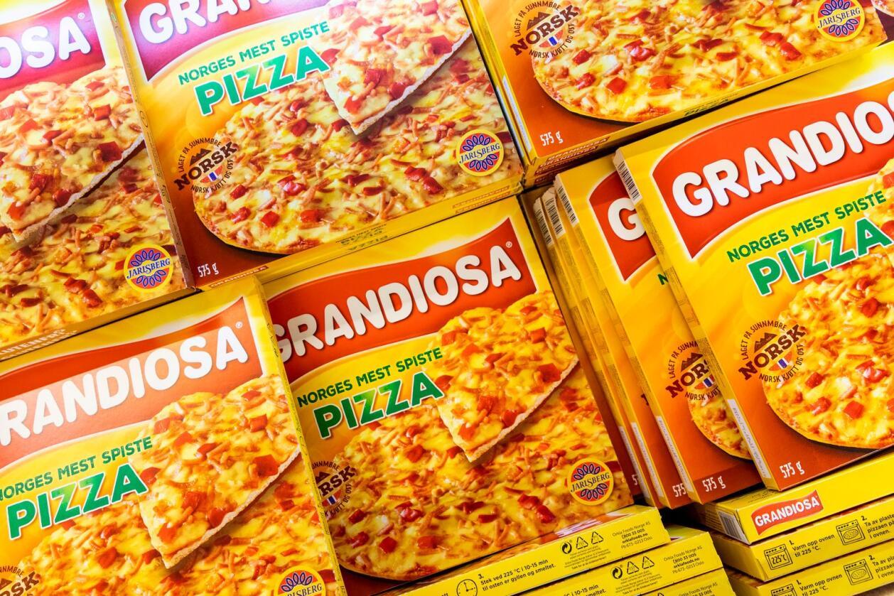 Oslo  20180417. Esker med pizza Grandiosa ligger i en frysedisk hos Rema 1000 på Ensjø i Oslo. Foto: Tore Meek / NTB scanpix