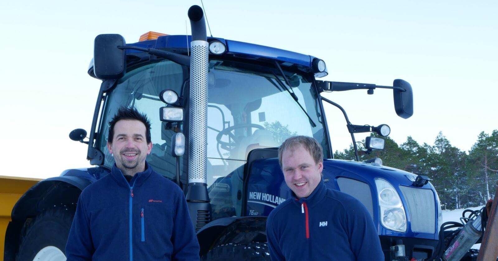Nyetablering: Selger Åge Thoresen og Mekaniker Aksel Nerhus er med fra starten  på den nye avdelingen i Vestnes