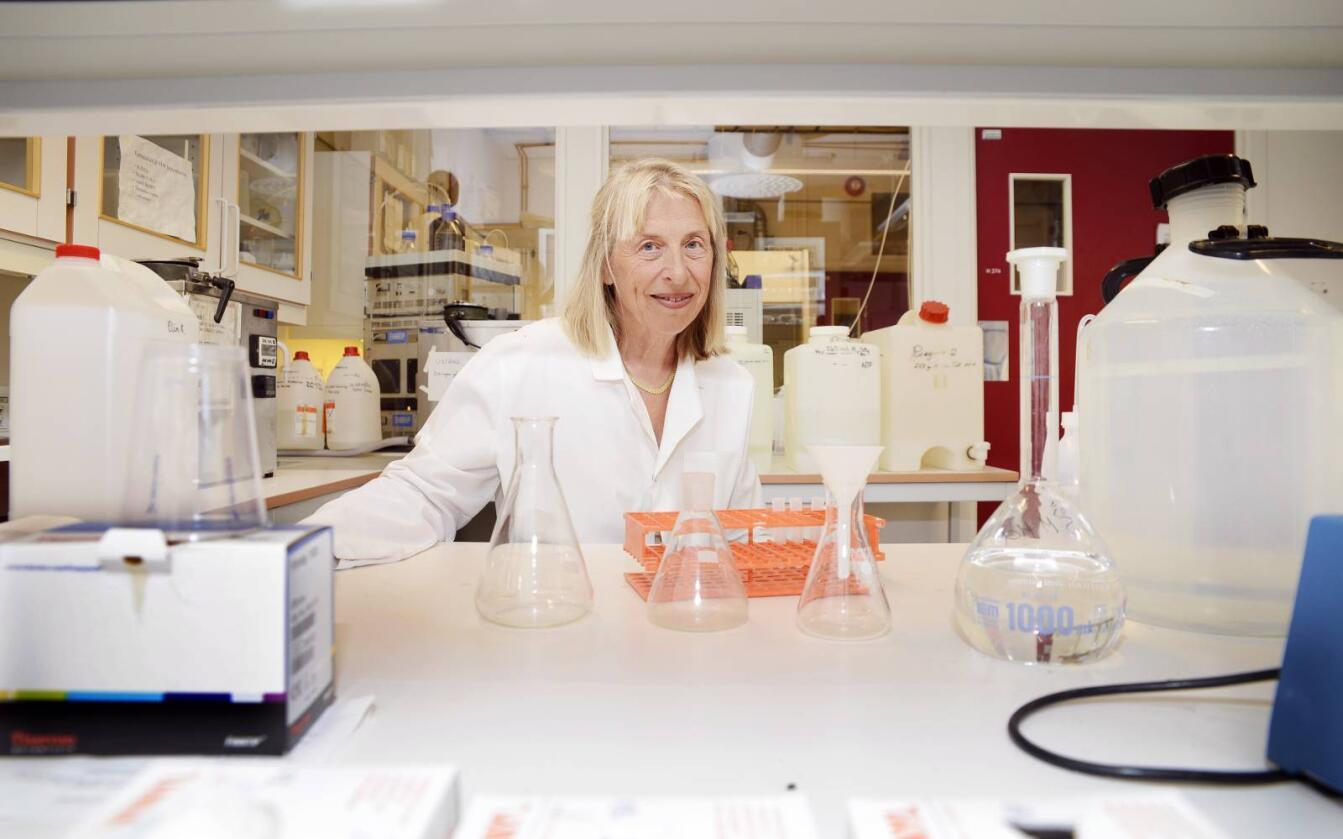 Forskning: Professor Anna Haug ved Norges miljø- og biovitenskapelige universitet(NMBU). Hun sammenligner kjøtt fra kylling fôret med kyllingfôr tilsatt 4 prosent soyaolje mot tilsvarende fôr der soyaoljen var byttet ut med 2 prosent rapsolje og 2 prosent linolje. Det gir økt omega-3 nivå i kyllingkjøttet.