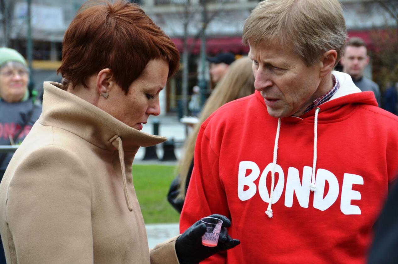Line Henriette Hjemdal (KrF) og Per Skorge fotografert under Bondelagets frokost utenfor Stortinget. Arkivfoto.