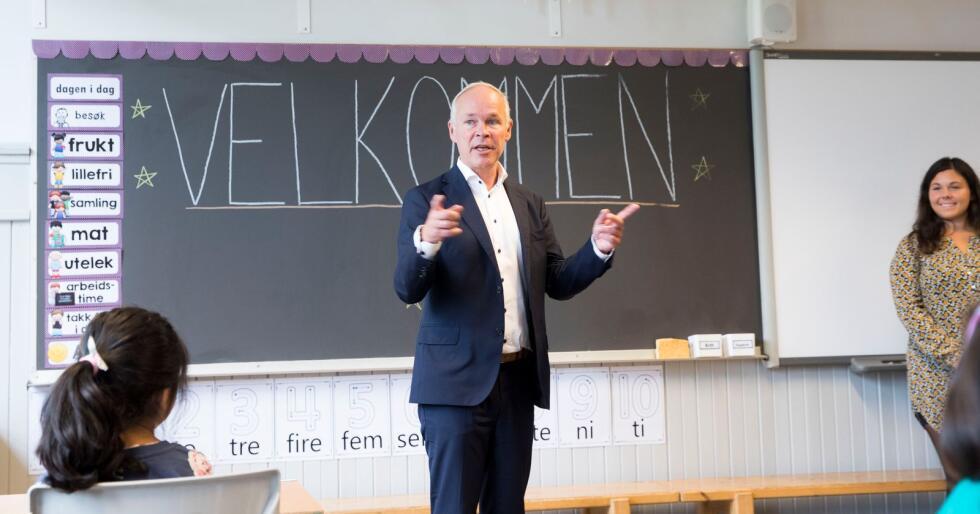 Under dagens regjering har utviklingen i private skoler skutt fart. Bildet er tatt under første skoledag på Grorud skole i Oslo, da kunnskaps- og integreringsminister Jan Tore Sanner var på besøk i fjor. Foto: Terje Pedersen / NTB scanpix