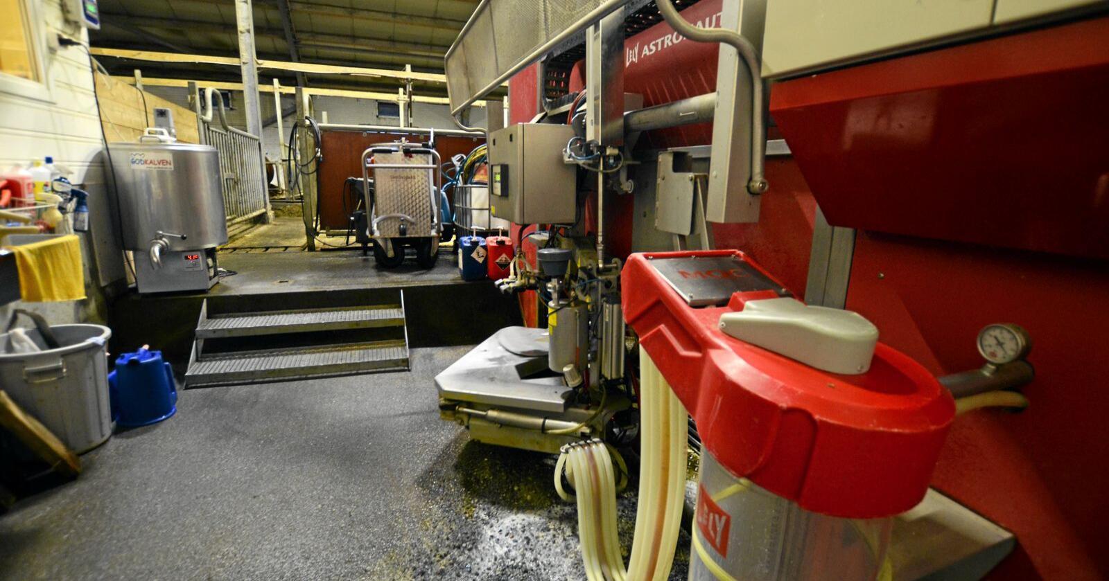 For Lasse Stokke fra Kleive i Molde var en brukt melkerobot veien inn på robotmarkedet.