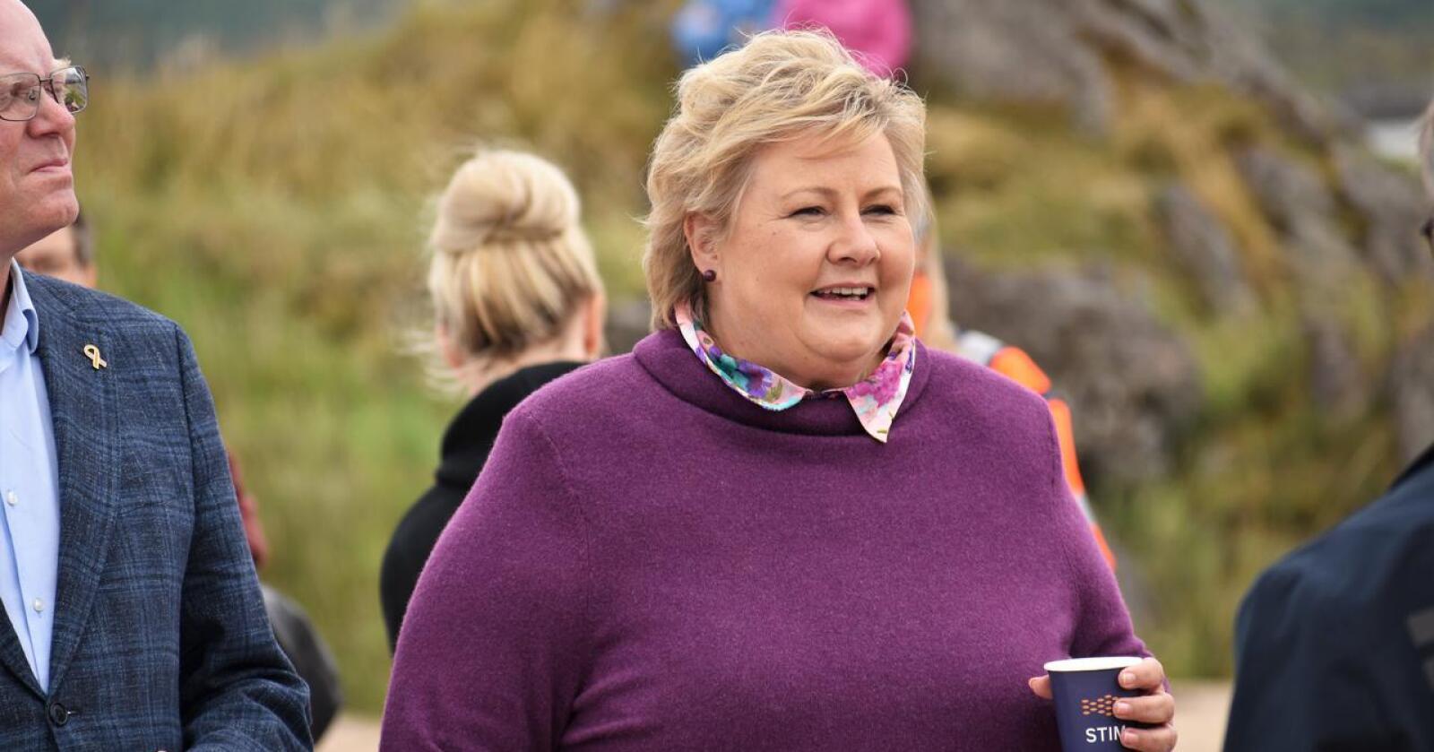 Stort land: Statsminister Erna Solberg, her på Leknes i Lofoten, har tapt i distriktene. I opposisjon blir det tid til å gjøre noe med det. Foto: Henrik Heldahl