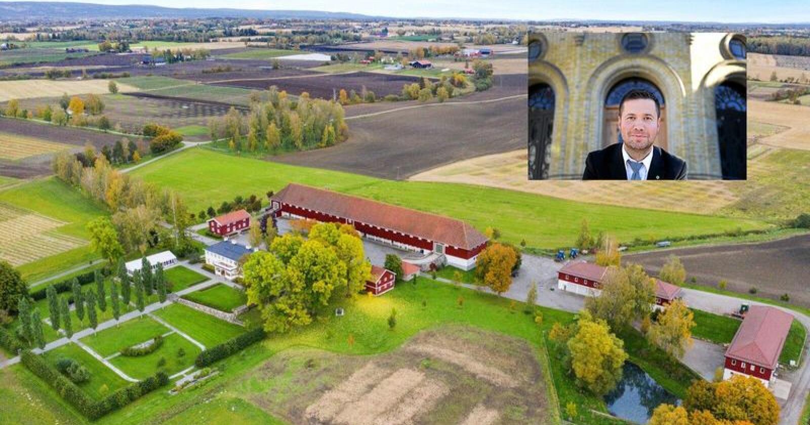 Geir Pollestad er lite fornøyd med at Staur Gård i Stange når blir solgt. Foto: Tegneby & Grønnerød Landbruksmegling/Siri Juell Rasmussen