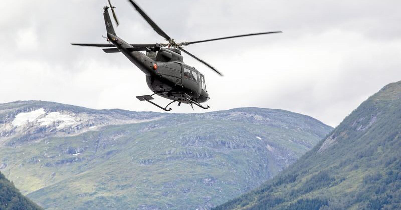 Helikopter:  Forsvaret skal flytte seks av ni Bell helikoptre fra Bardufoss til Rygge. Foto: Audun Braastad/NTB scanpix