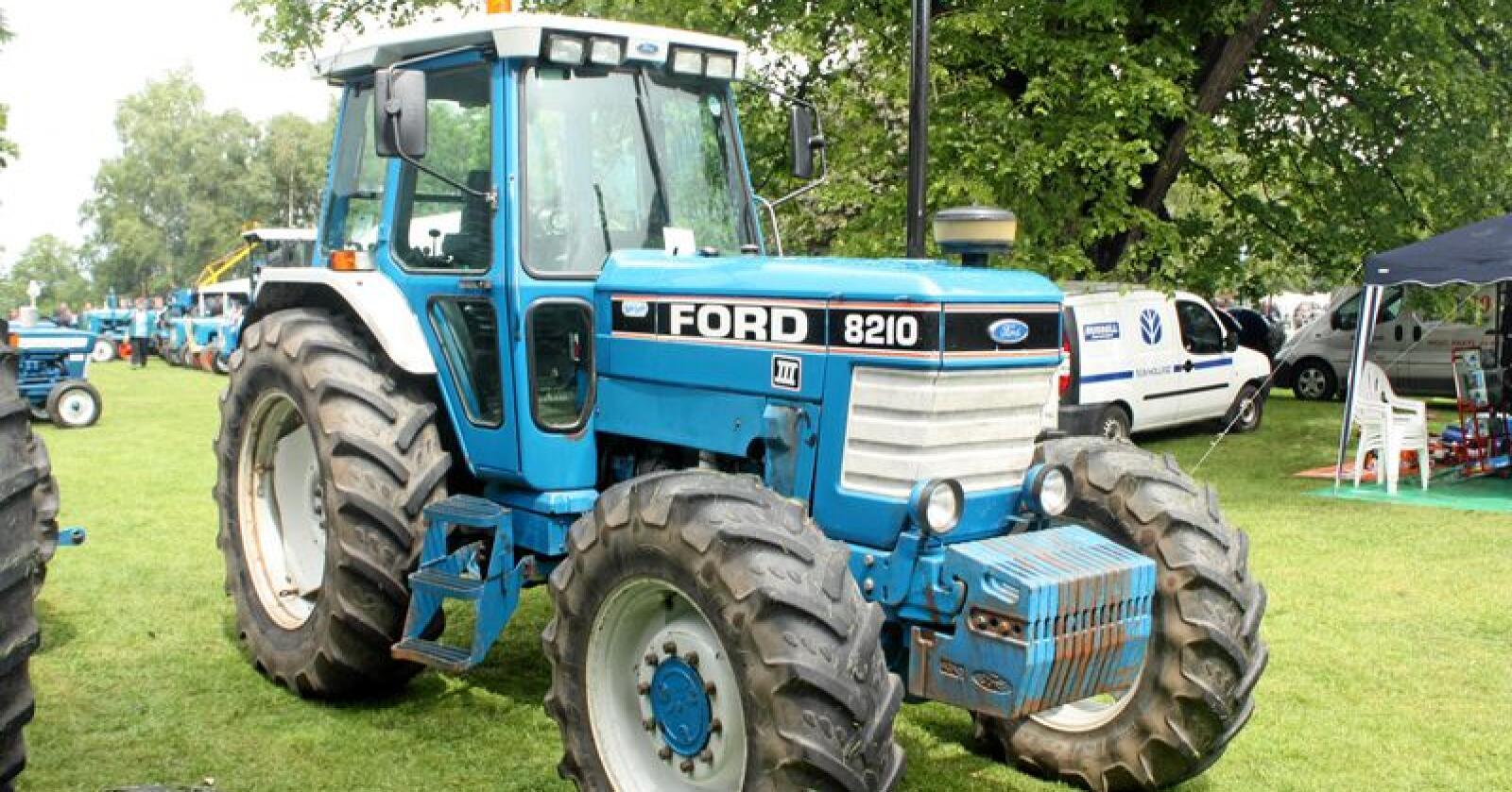 En britisk bonde ble frastjålet en Ford fra gården sin sør i Storbritannia. Foto: BulldozerD11 / Tractor Fandoms