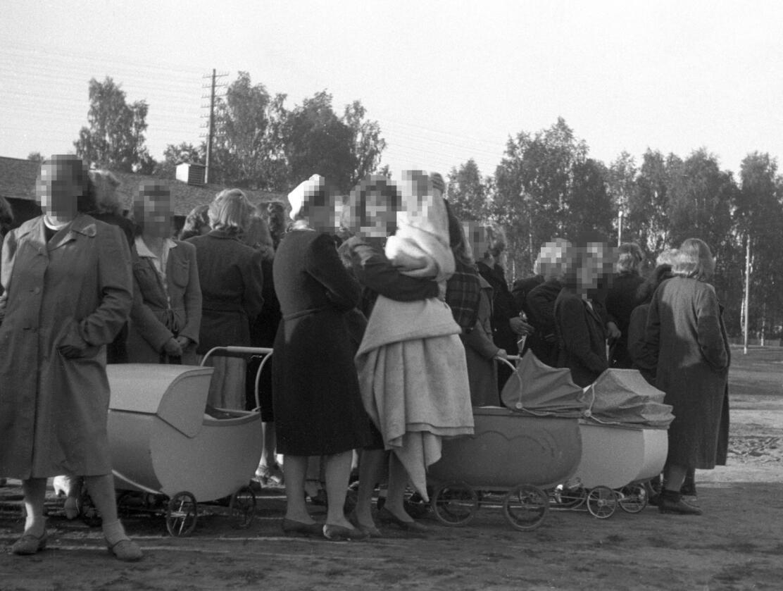 Landssvikere? Noen støttet Quisling under krigen. Noen forgrep seg på unge jenter (her fra Elverum) etter krigen. Foto: NTB Scanpix