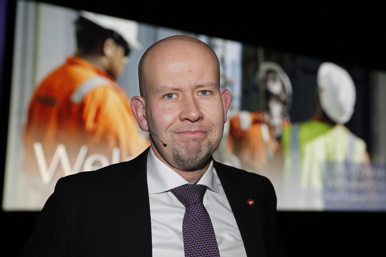 Olje- og energiminister Tord Lien overkjører miljøfaglige råd og innfrir alle ønskene til oljenæringen. Foto: Terje Pedersen / NTB scanpix