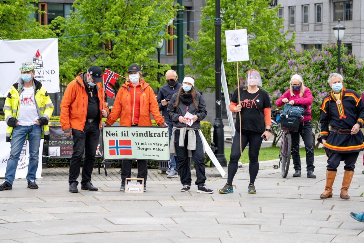 Markering foran Stortinget i forbindelse med utbyggingen av Øyfjellet i Vefsn kommune i Nordland i vår. Foto: Gorm Kallestad / NTB