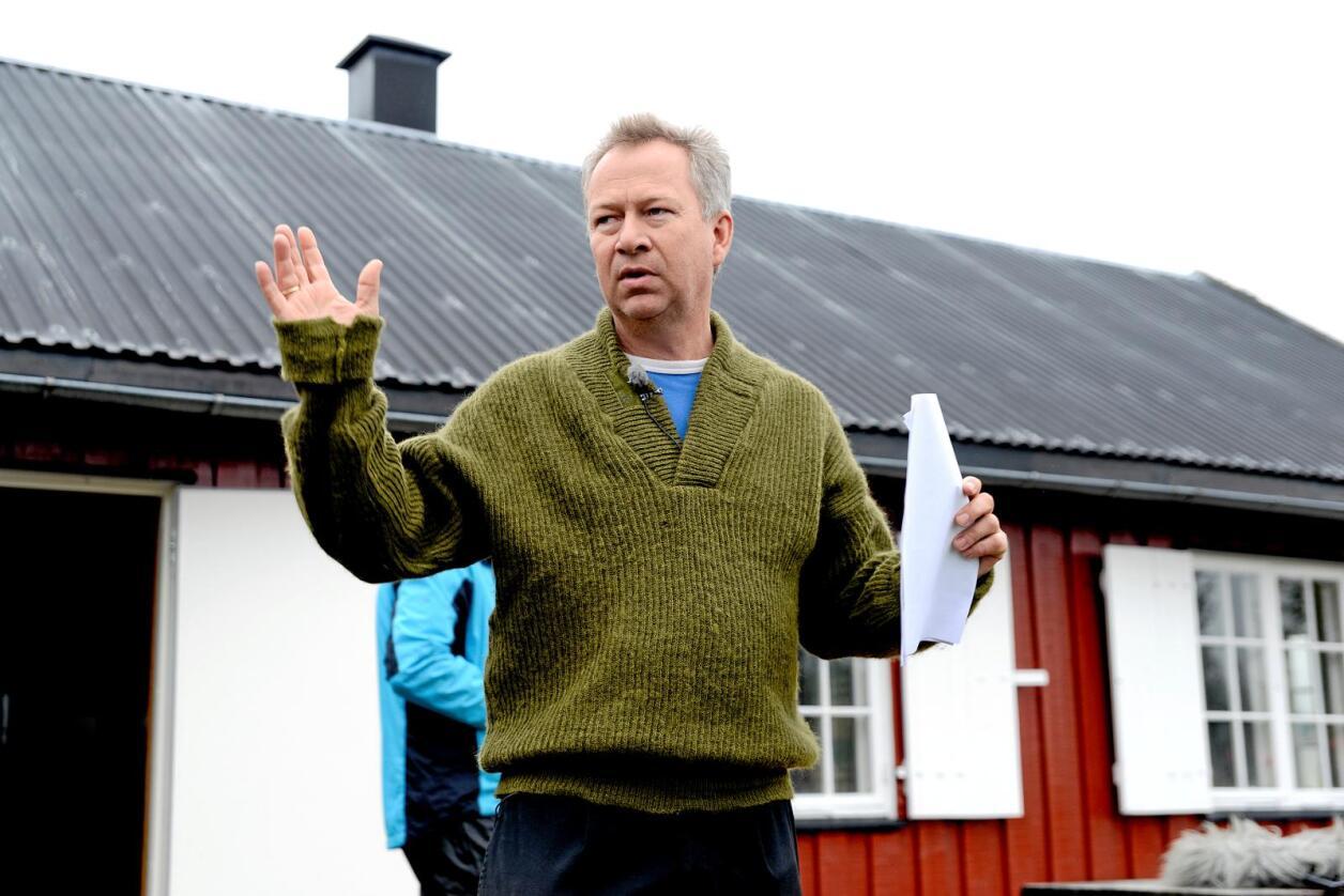 Sauebonde Kjetil Ulset mener det er stusselig at sauebønder i Gran er nødt til å flytte sauene 20 mil på grunn av ulvetrusselen. Foto: Mariann Tvete