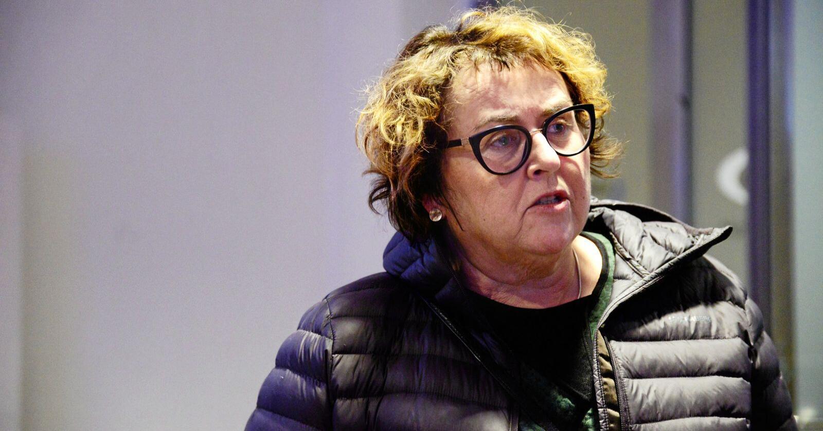 Landbruks- og matminister Olaug Bollestad forteller at hun to ganger i uka har skypemøte med jordbruksorganisasjonene, og produsentene for å ta opp hvilke utfordringer som kommer i forbindelse med koronaviruset. Foto: Siri Juell Rasmussen