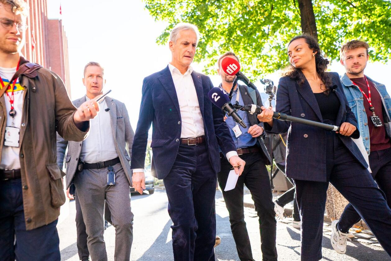 Ap-leder Jonas Gahr Støre møtte tirsdag pressen etter et møte i Aps sentralstyre om valgresultatet. Foto: Håkon Mosvold Larsen / NTB