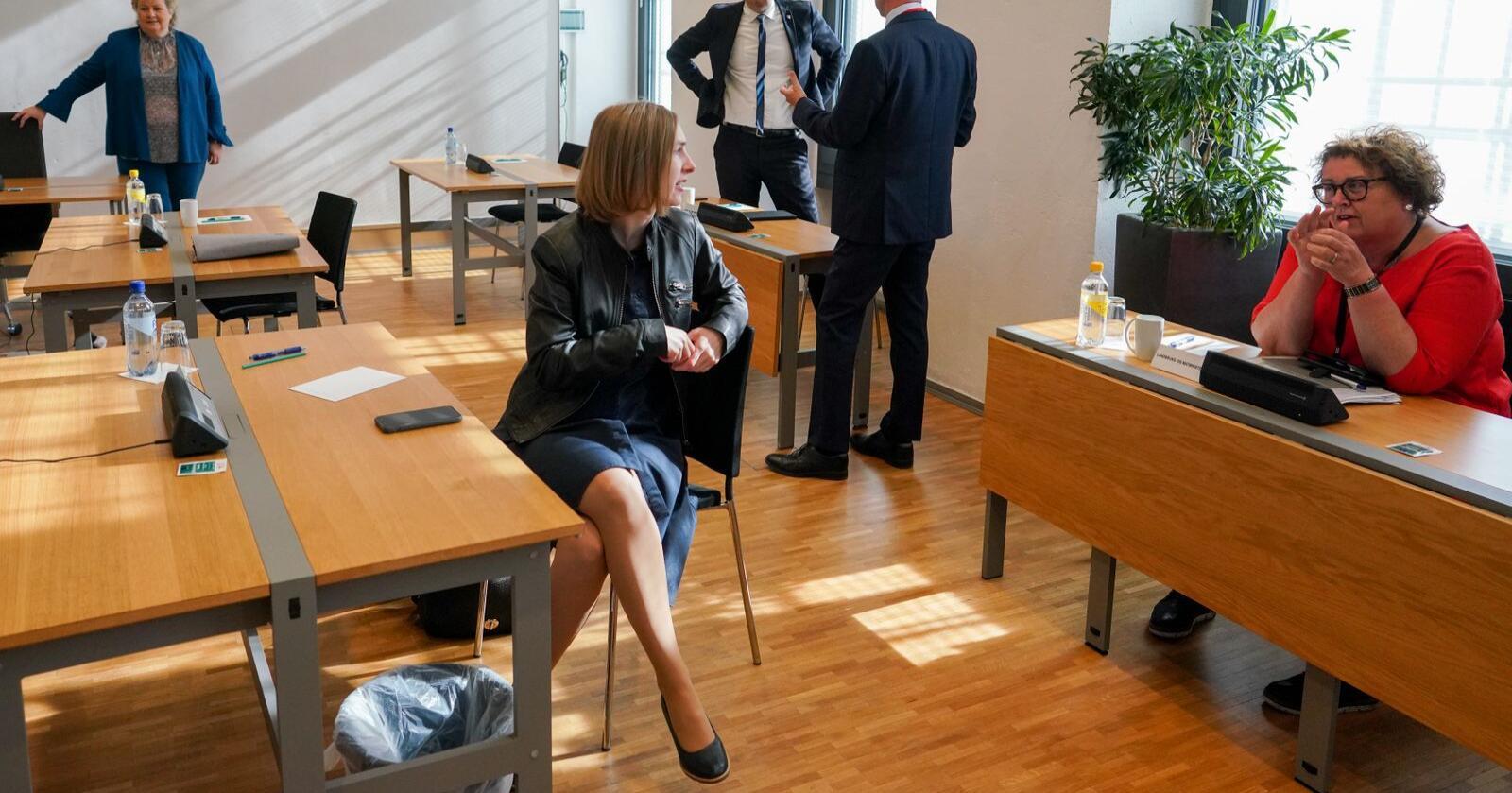 I disse dager sitter næringsminister Iselin Nybø (V) rundt forhandlingsbordet med Storbritannia. Målet er å dra i land en frihandelsavtale så fort som mulig. Foto: Fredrik Hagen / NTB scanpix